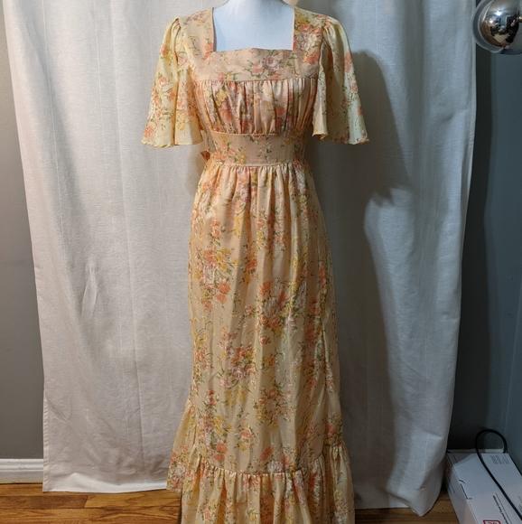 Size 20 Vintage 70s Floral dress